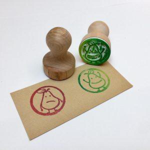 zwei Individuelle Stempel Druck und Holzstempel von Birnen