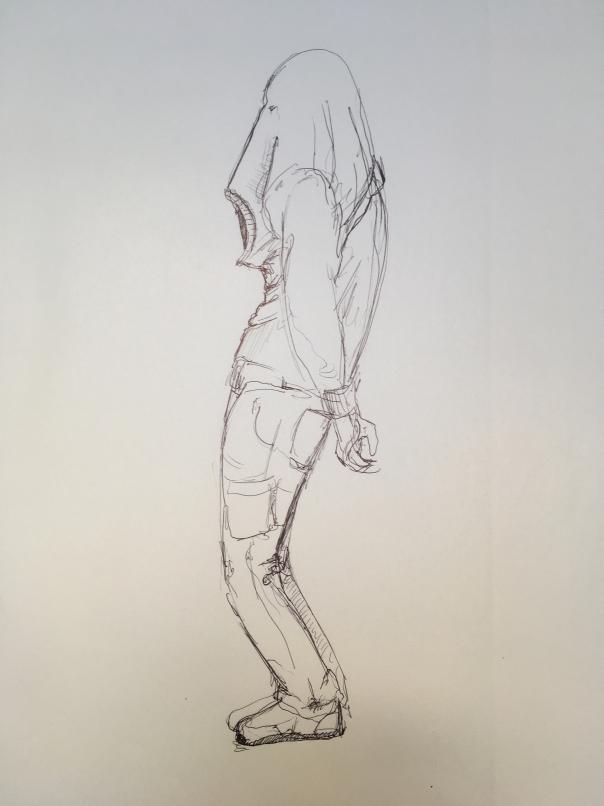 Skizzenbuch Zeichnung Mensch hat einen Pulli über den Kopf gezogen